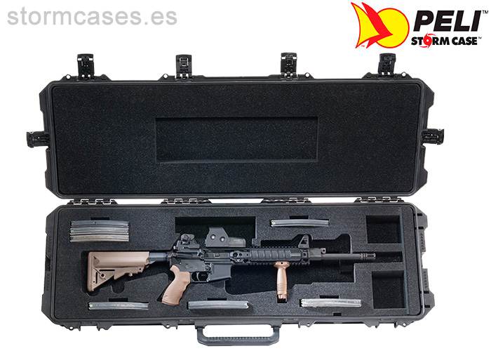 PELICAN STORM CASE iM3200 Person